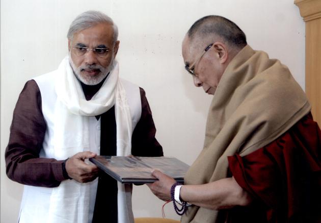 Dalai-Lama-Sathe-Mulakat02-inn1