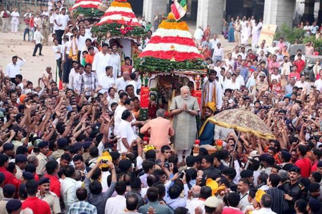 rath-yatra-2013-ahmedabad-live-Pooja-Namo