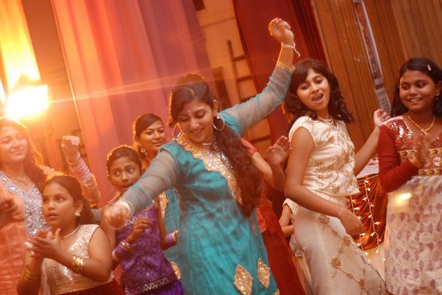 indian-dancers