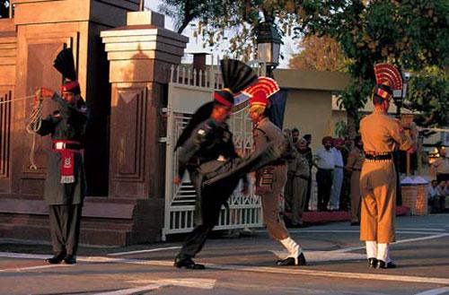 wagah-border-crossing-ceremony