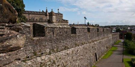 2Derry Walls