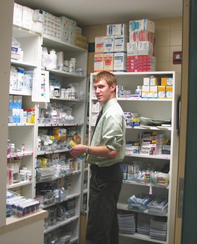 pharmacy-1-825x1024