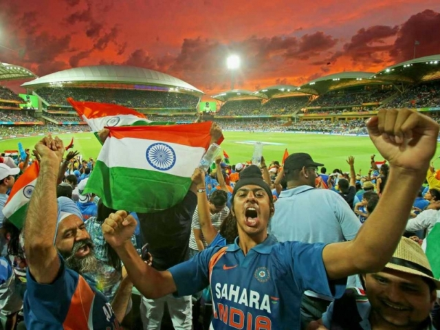 india-fans-912