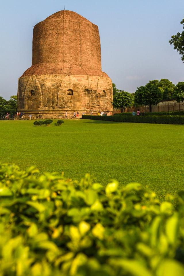 Dhamek_Stupa,_Sarnath