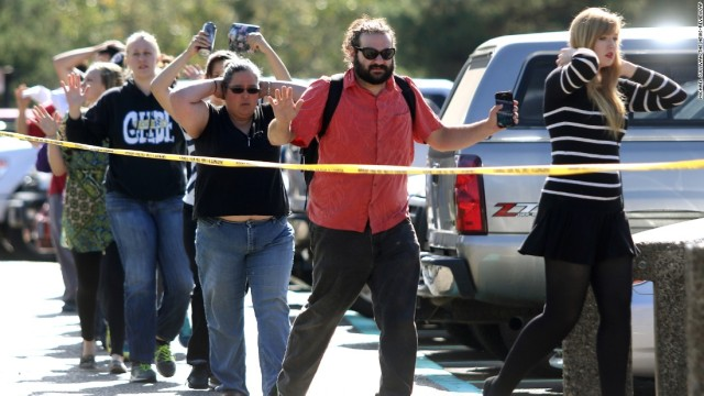 151001171616-19-oregon-shooting-super-169