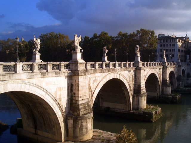 800px-Ponte_St._Angelo