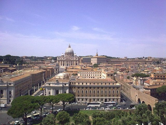 800px-View_over_Rome_from_Castel_Sant'Angelo