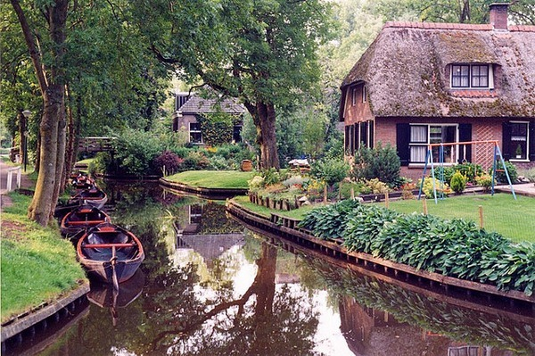 giethoorn-netherlands-map