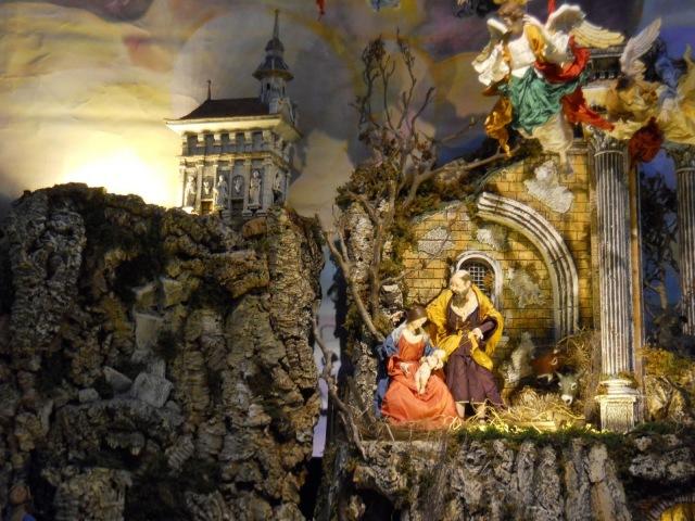 13 - Nativity Scene - Les Augstins de Fribourg